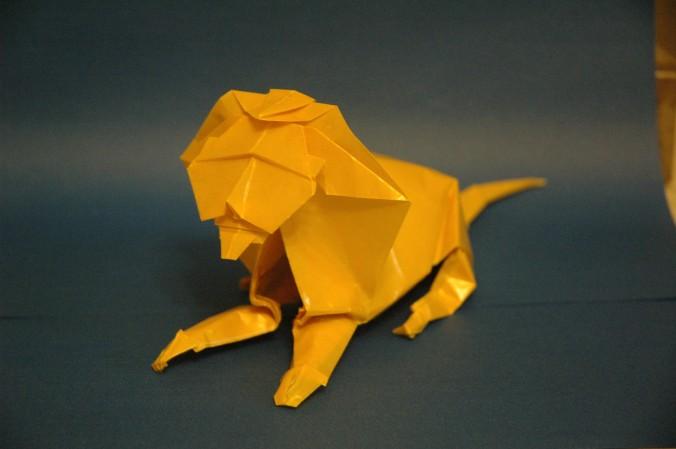 Origami de Esfinge em Papel Cristal Impermeável Realce