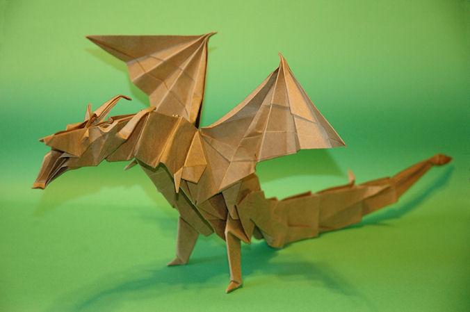 Dobrando Origami com Papel Kraft - Fiery Dragon Kade Chan