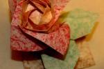 Rosa e Folhas de Origami